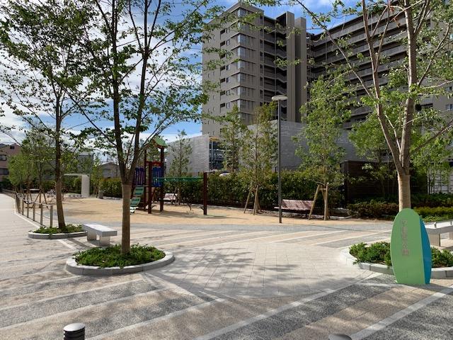 <茨木市 中津町>新しくできたマンション ウエリス茨木のすぐ横に、今年 中津東公園 ができました。