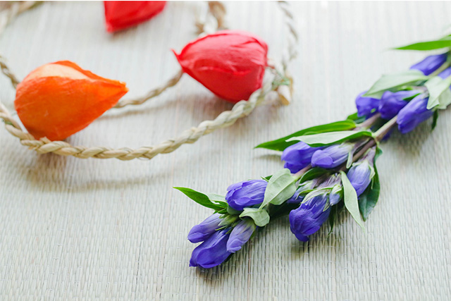 花を飾ってお部屋を秋の雰囲気に!簡単なインテリア術