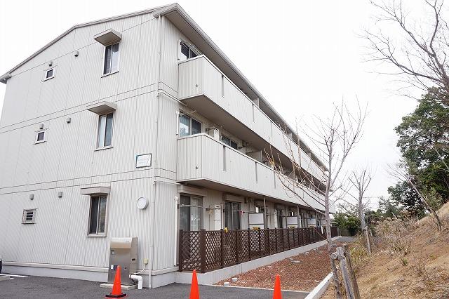 カーザ・ビアンカ|逆井駅徒歩12分・小型犬1匹飼育可!