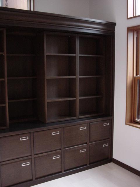 いっぱい収納の本棚