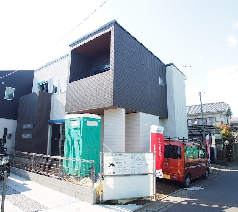 富士見小学区でお探しの方にオススメなデザイナーズ住宅建築中!