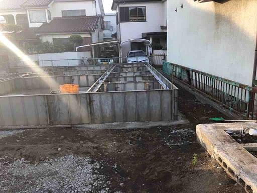 巷に散見する欠陥施工