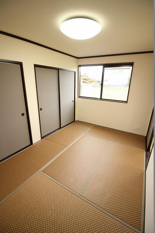 カラー畳が趣きのある空間へ