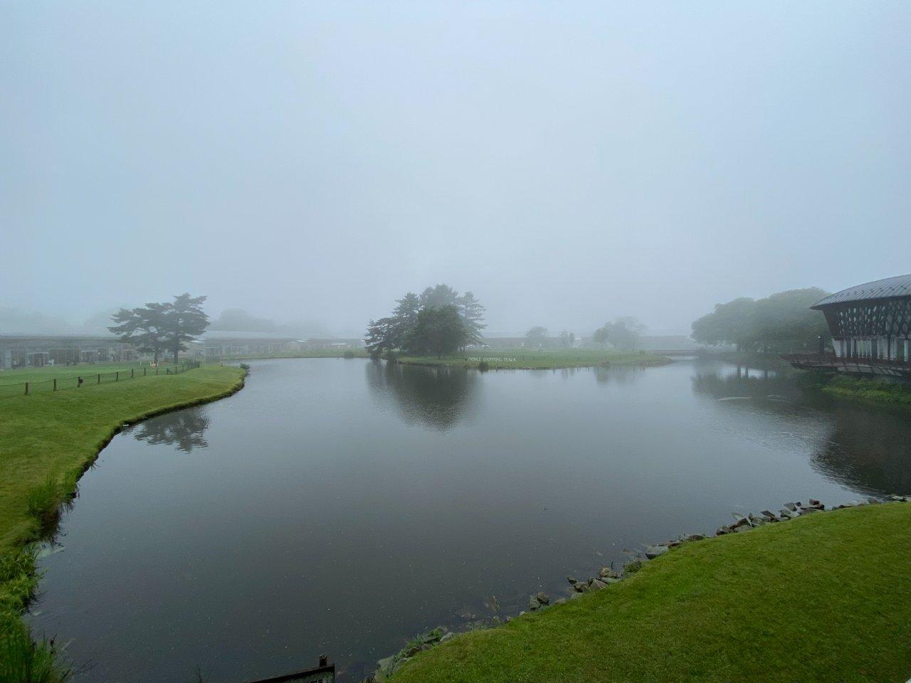 霧の中、軽井沢・プリンスショッピングプラザへ行ってきました